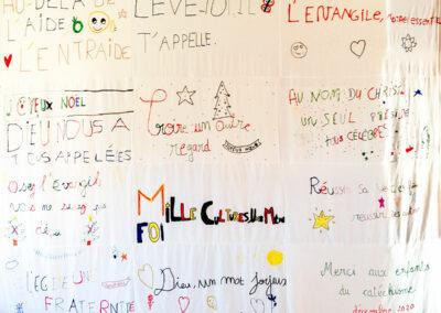 """Fresque """"Dieu un mot joyeux"""" de la paroisse St-Louis de Deuil-la-Barre"""